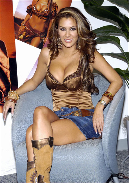 Girls ninel conde showing pussy service nude women
